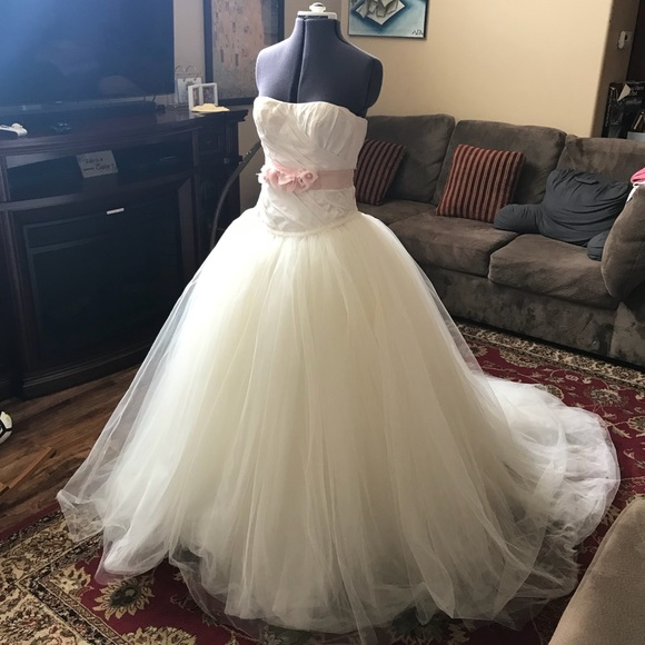 White by Vera Wang Dresses   Princess Wedding Dress Sz 4   Poshmark
